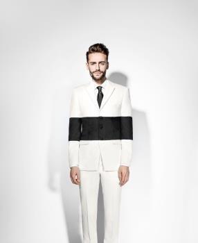 Blocked suit