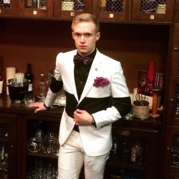 Ryan Beyer in his custom Blocked suit